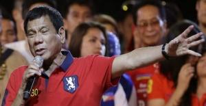 Filipinlerin yeni lideri: Suçluları öldürebilirsiniz!