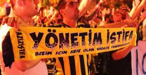 Genç Fenerbahçeliler'den Aziz Yıldırıma istifa çağrısı