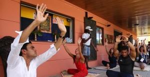 Hindistan EXPO 2016'da Yoga Günü Kutladı