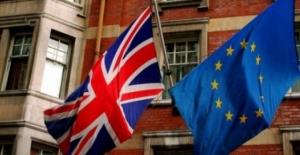 İngiltere'deki referandumdan AB'den ayrılma kararı çıktı