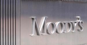 İngiltere'ye bir darbe de Moody's'ten!