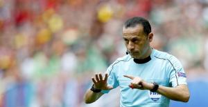 """İtalya-İspanya maçı öncesi İtalyan basını, """"Cüneyt Çakır intikam alacak"""""""