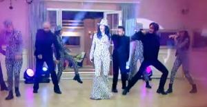 Kısmetse Olur evinde Hande Yener sürprizi!