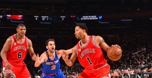 Knicks, Derrick Rose'u renklerine kattı