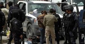 Meksika'da öğretmenler sokağa döküldü