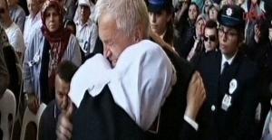Meral Akşener şehit cenazesinde gözyaşlarını tutamadı