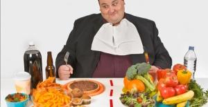Ramazan'ın sonunda kilolu olmak istemiyorsanız bu uyarıları dinleyin!