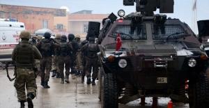 Sarıkamış'ta çatışma: 2 asker yaralı!