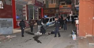 Sokak ortasında infaz: Kafasından vurdular!