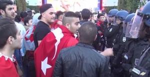 Türk ve İngiliz taraftarlar arasında Fransa'da kavga çıktı!