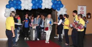 Ukrayna'dan gelen turistlere havaalanında karşılama