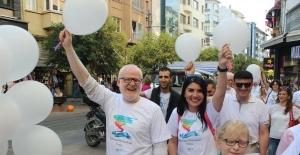 Uluslararası Genç Liderler ve Girişimciler Albinizmli bireyler için yürüdü