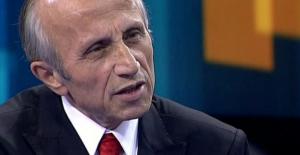 """Yaşar Nuri Öztürk'ün ölüm ilanı, """"Türkiye'nin Hocası"""""""