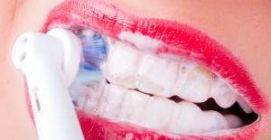 Bayramda sağlıklı dişler için 10 önemli ipucu