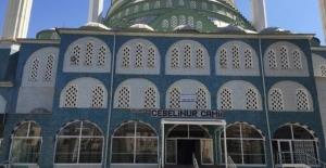 Camii'de darbe gerginliği