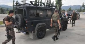 Erdoğan'ın kaldığı otele baskın düzenleyen darbecilerin silahları bulundu.