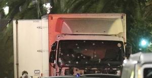 Nice'teki terör saldırısı kameralara böyle yansıdı