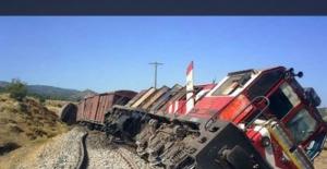 Palu'da trene PKK'dan bombalı saldırı!