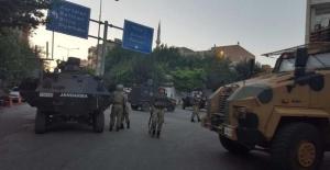 Siirt'te askeri kışla ve polis karakoluna saldırı: Yaralılar var!