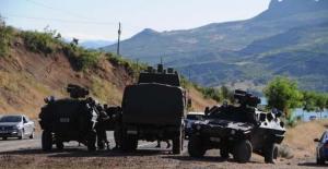 Tunceli'de askeri araca bombalı saldırı düzenlendi