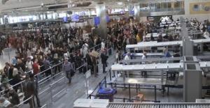 Atatürk Havalimanı'na tüm giriş ve çıkışlar kapatıldı