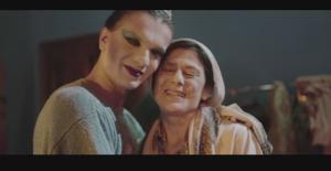 """Athena'nın """"Ses Etme"""" isimli video klibi sosyal medyayı salladı"""