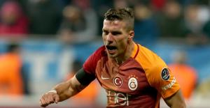 """Levent Nazifoğlu, """"Podolski'ye Çin'den önemli bir teklif var"""""""