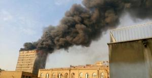 İran'da 17 katlı bina yangın nedeniyle çöktü... En az 30 ölü