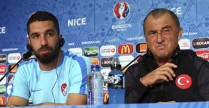 """Arda Turan, """"Fatih Hoca yüzüme söylemek yerine basın toplantısı düzenledi"""""""
