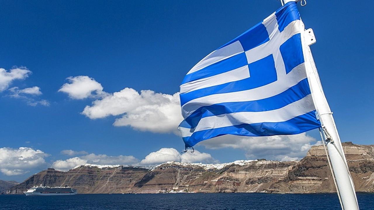 Yunanistan 21 adaya asker yerleştirip silahlandırdı