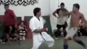 Sokak dövüşçüsü karate hocasını rezil etti